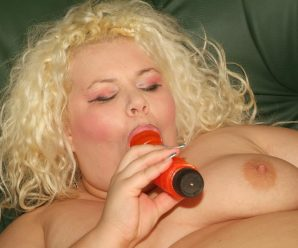 Mischievous platinum-blonde BBW Melinda Shy and Faye rubbing their milk cans and deep-throating on a phat fuckbox toy