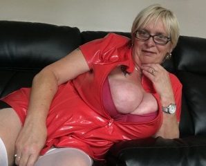 Sex chat with PLUMPER Bustybabe38kk seeks masturbation have fun