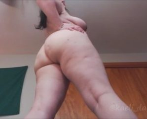 Fingering chat with PLUS-SIZE Kaeli_Day fancies adult quality time