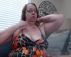 Iphone chat with BBW seductivesara69 wants interactive quality time
