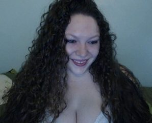 Real time chat with PLUS-SIZE HolliHamilton fancies ass play entertainment