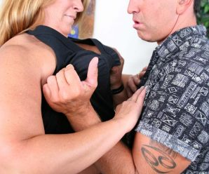 Suntanned mature hoe having her flabby belly rubbed with jizm